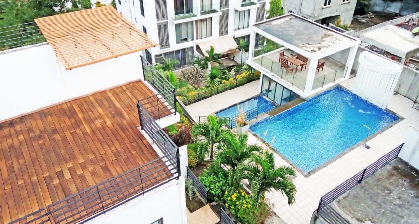 Magnifique villa contemporaine, 4 chambres, studio indépendant, piscine, grande varangue, entièrement meublée et décorée avec goût